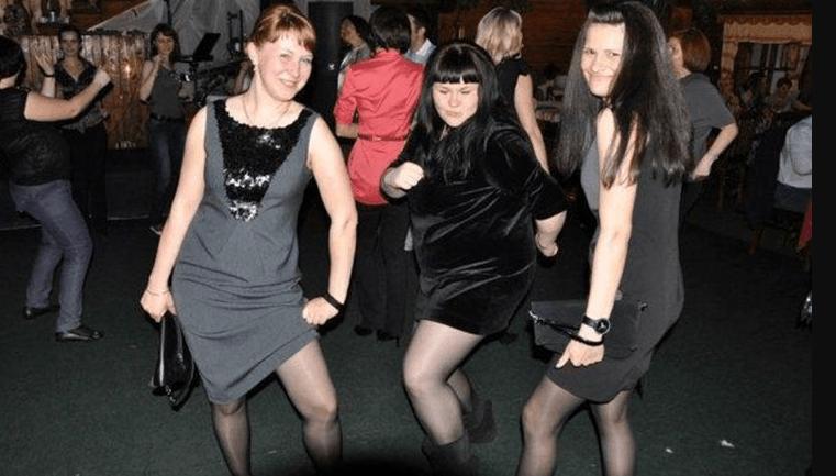 частные фото девушек на дискотеке