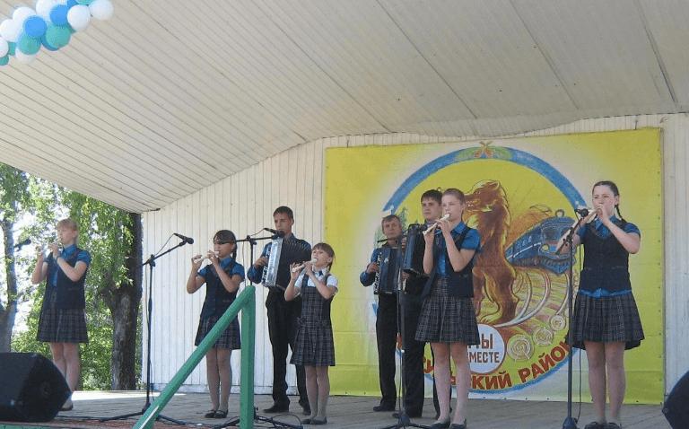 """Ансамбль """"Дударики"""" исполняет народные мелодии"""