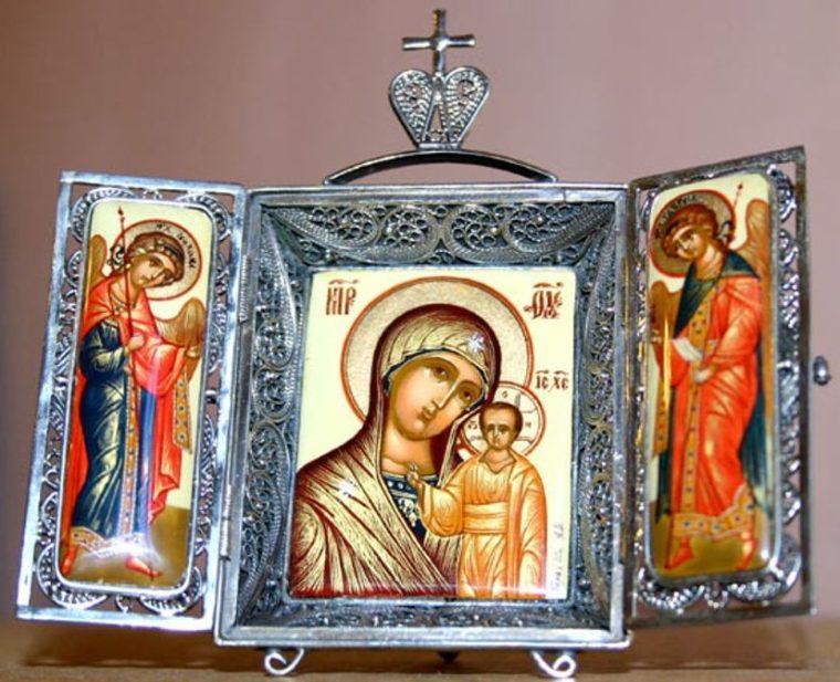 Какую икону подарить близкому человеку?