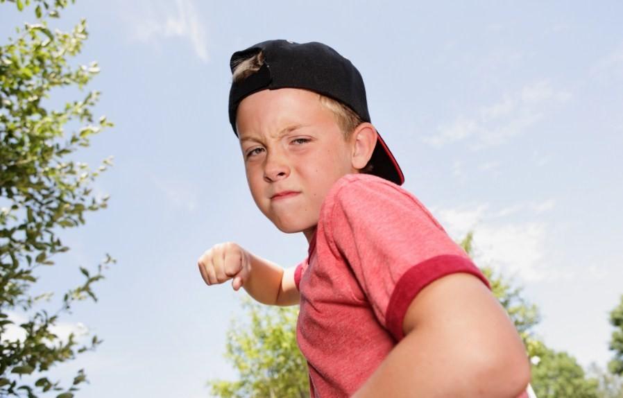 Агрессия в молодежной и подростковой среде