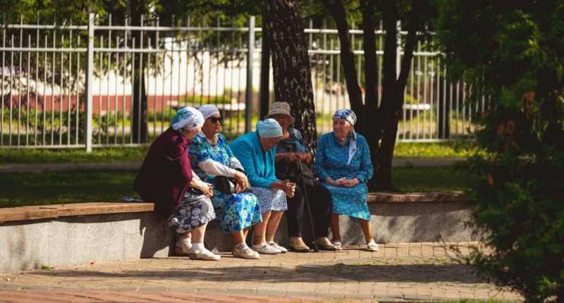 Песни поют бабушки